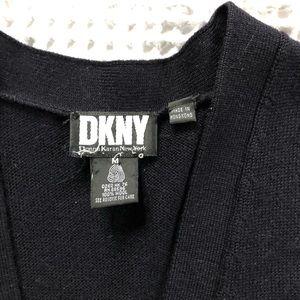 DKNYC Sweaters - 🍃DKNY🍃vintage navy sweater vest